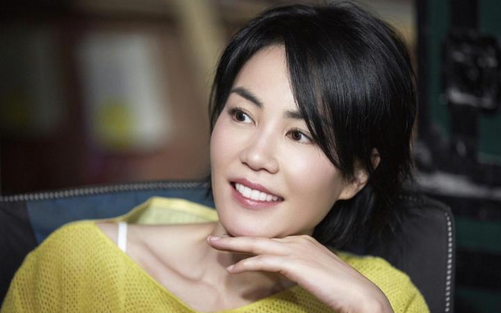 王菲48岁产子最近露面怎么回事?王菲怀孕产子并无真实性