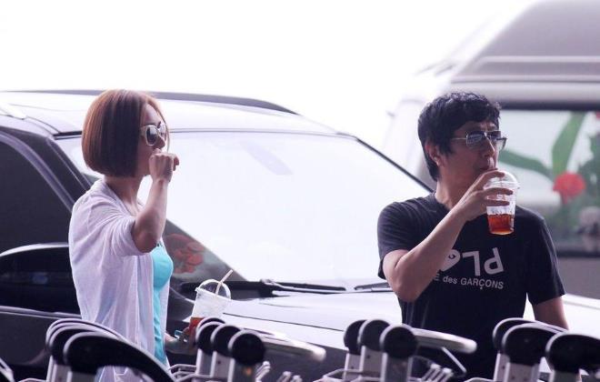 郑钧怎么会看上刘芸?少女感十足的刘芸结过几次婚